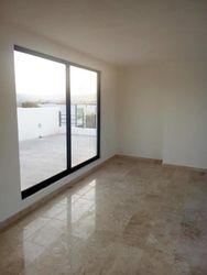 NEX-38004 - Casa en Venta en Lomas de Angelópolis II, CP 72830, Puebla, con 3 recamaras, con 4 baños, con 2 medio baños, con 225 m2 de construcción.
