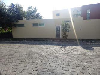 NEX-29289 - Local en Renta, con 1 medio baño, con 35 m2 de construcción en Altabrisa, CP 97130, Yucatán.