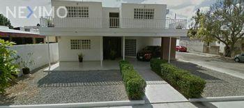NEX-30343 - Casa en Renta en Buenavista, CP 97127, Yucatán, con 5 recamaras, con 4 baños, con 1 medio baño, con 307 m2 de construcción.