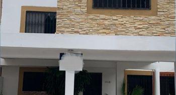 NEX-32251 - Casa en Venta en Supermanzana 38, CP 77507, Quintana Roo, con 4 recamaras, con 3 baños, con 1 medio baño, con 220 m2 de construcción.