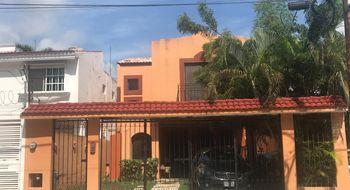 NEX-32276 - Casa en Venta en Supermanzana 43, CP 77506, Quintana Roo, con 3 recamaras, con 2 baños, con 1 medio baño, con 249 m2 de construcción.