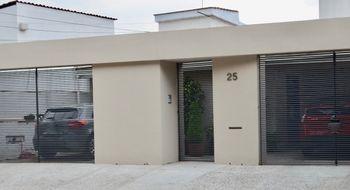 NEX-30807 - Casa en Venta en Lomas de Tecamachalco, CP 53950, México, con 5 recamaras, con 3 baños, con 1 medio baño, con 386 m2 de construcción.