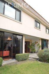 NEX-43210 - Casa en Venta, con 3 recamaras, con 4 baños, con 2 medio baños, con 600 m2 de construcción en Bosques de las Lomas, CP 05120, Ciudad de México.