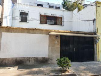 NEX-43667 - Casa en Renta, con 5 recamaras, con 4 baños, con 1 medio baño, con 250 m2 de construcción en Lomas de Chapultepec I Sección, CP 11000, Ciudad de México.