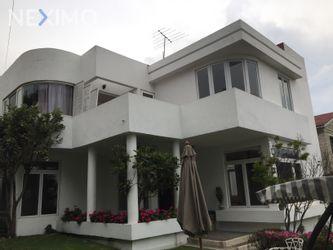 NEX-43678 - Casa en Renta, con 3 recamaras, con 5 baños, con 518 m2 de construcción en Lomas de Chapultepec VIII Sección, CP 11000, Ciudad de México.