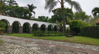 NEX-33071 - Casa en Venta en José G Parres, CP 62564, Morelos, con 4 recamaras, con 4 baños, con 1 medio baño, con 630 m2 de construcción.