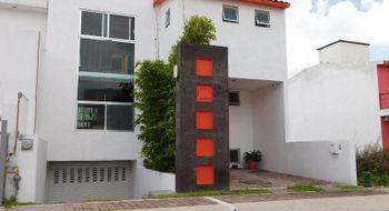 NEX-31312 - Casa en Venta en El Mirador, CP 76246, Querétaro, con 3 recamaras, con 3 baños, con 1 medio baño, con 300 m2 de construcción.