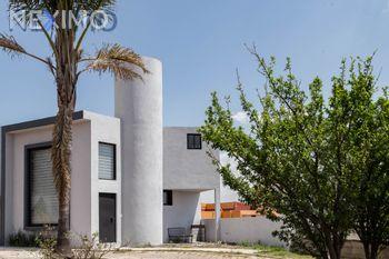 NEX-4275 - Departamento en Venta, con 1 recamara, con 1 baño, con 1 medio baño, con 85 m2 de construcción en San Esteban Tizatlan, CP 90100, Tlaxcala.