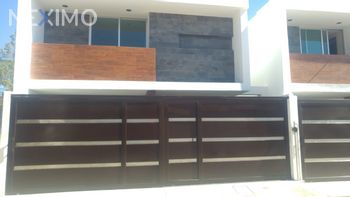 NEX-4960 - Casa en Venta, con 3 recamaras, con 2 baños, con 1 medio baño, con 167 m2 de construcción en San Gabriel Cuautla, CP 90117, Tlaxcala.