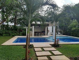 NEX-38817 - Departamento en Renta en Cancún Centro, CP 77500, Quintana Roo, con 3 recamaras, con 2 baños, con 172 m2 de construcción.
