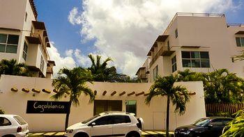 NEX-39584 - Departamento en Renta en Cancún Centro, CP 77500, Quintana Roo, con 3 recamaras, con 2 baños, con 1 medio baño, con 172 m2 de construcción.