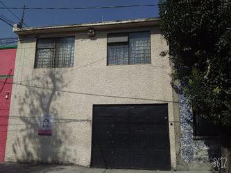 NEX-38668 - Bodega en Venta en Venustiano Carranza, CP 15340, Ciudad de México, con 2 medio baños, con 223 m2 de construcción.