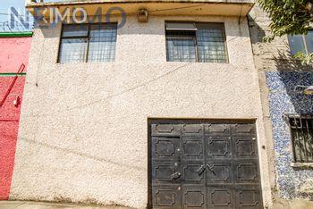 NEX-38668 - Bodega en Venta, con 2 medio baños, con 223 m2 de construcción en Venustiano Carranza, CP 15340, Ciudad de México.