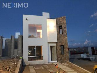 NEX-31966 - Casa en Venta, con 3 recamaras, con 1 baño, con 2 medio baños, con 107 m2 de construcción en Pachuquilla, CP 42180, Hidalgo.
