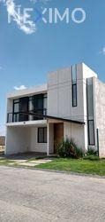 NEX-46444 - Casa en Renta, con 3 recamaras, con 3 baños, con 1 medio baño, con 270 m2 de construcción en La Paz, CP 42094, Hidalgo.