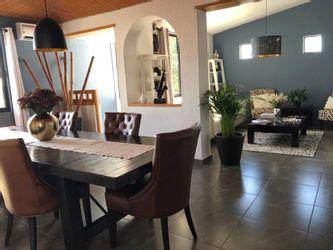 NEX-33813 - Casa en Venta en Villas del Mesón, CP 76226, Querétaro, con 3 recamaras, con 4 baños, con 1 medio baño, con 319 m2 de construcción.
