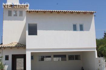 NEX-37597 - Casa en Venta, con 3 recamaras, con 2 baños, con 1 medio baño, con 180 m2 de construcción en El Tejocote, CP 76781, Querétaro.
