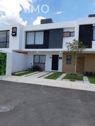 NEX-39513 - Casa en Venta, con 3 recamaras, con 3 baños, con 1 medio baño, con 150 m2 de construcción en Zákia, CP 76269, Querétaro.