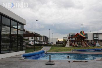 NEX-53900 - Casa en Venta, con 3 recamaras, con 2 baños, con 1 medio baño, con 142 m2 de construcción en Residencial el Refugio, CP 76146, Querétaro.