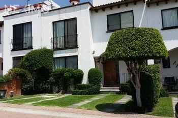 NEX-39421 - Casa en Renta, con 3 recamaras, con 2 baños, con 1 medio baño, con 181 m2 de construcción en Arboledas del Parque, CP 76140, Querétaro.