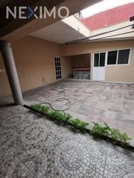 NEX-41944 - Casa en Renta en Lotes Alegría, CP 62469, Morelos, con 2 recamaras, con 2 baños, con 1 medio baño, con 200 m2 de construcción.