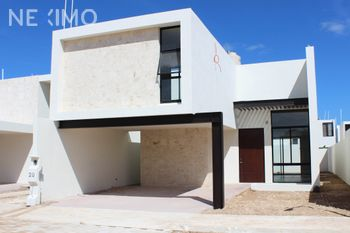 NEX-46599 - Casa en Venta, con 3 recamaras, con 4 baños, con 1 medio baño, con 230 m2 de construcción en Paseo del Ángel, CP 97345, Yucatán.
