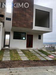NEX-50715 - Casa en Venta, con 3 recamaras, con 3 baños, con 2 medio baños, con 175 m2 de construcción en DINA-SEDENA Chacón, CP 42186, Hidalgo.