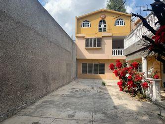NEX-37641 - Casa en Venta en Xaltocan, CP 16090, Ciudad de México, con 4 recamaras, con 1 baño, con 304 m2 de construcción.