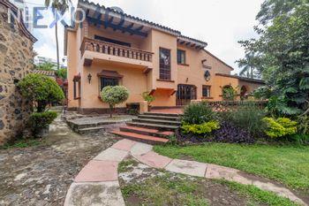 NEX-34679 - Casa en Venta en Lomas de La Selva, CP 62270, Morelos, con 4 recamaras, con 5 baños, con 630 m2 de construcción.