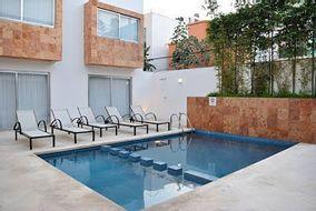 NEX-34944 - Hotel en Venta en Zazil Ha, CP 77720, Quintana Roo, con 16 recamaras, con 20 baños, con 2 medio baños, con 1748 m2 de construcción.