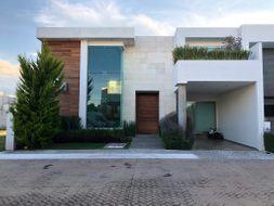 NEX-35231 - Casa en Venta en Quinta Real, CP 42082, Hidalgo, con 3 recamaras, con 3 baños, con 1 medio baño, con 480 m2 de construcción.