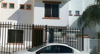 NEX-11122 - Casa en Venta en Milenio 3a. Sección, CP 76060, Querétaro, con 3 recamaras, con 2 baños, con 1 medio baño, con 152 m2 de construcción.