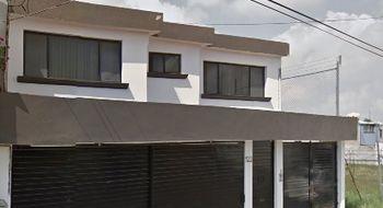 NEX-9848 - Casa en Renta en Carretas, CP 76050, Querétaro, con 4 recamaras, con 4 baños, con 1 medio baño, con 320 m2 de construcción.