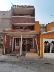 NEX-43398 - Casa en Venta, con 3 recamaras, con 2 baños, con 1 medio baño, con 75 m2 de construcción en Real del Bosque, CP 54948, México.