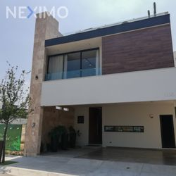 NEX-54252 - Casa en Venta, con 3 recamaras, con 4 baños, con 1 medio baño, con 307 m2 de construcción en Península, CP 66035, Nuevo León.