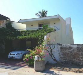 NEX-41173 - Casa en Venta en Playa Azul, CP 28218, Colima, con 3 recamaras, con 2 baños, con 1 medio baño, con 358 m2 de construcción.