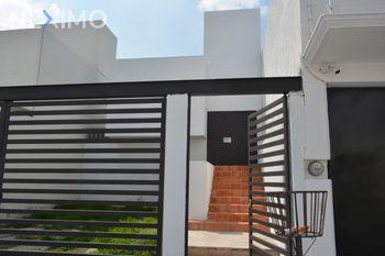 NEX-47611 - Casa en Venta, con 3 recamaras, con 2 baños, con 1 medio baño, con 136 m2 de construcción en Caletto, CP 76230, Querétaro.