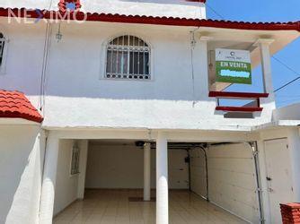 NEX-53088 - Casa en Venta, con 4 recamaras, con 4 baños, con 1 medio baño, con 360 m2 de construcción en Tabscoob, CP 86534, Tabasco.