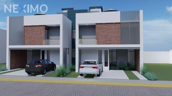 NEX-54431 - Casa en Venta, con 4 recamaras, con 2 baños, con 1 medio baño, con 207 m2 de construcción en Pachuquilla, CP 42180, Hidalgo.