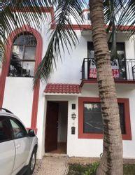NEX-41512 - Casa en Renta en Supermanzana 522, CP 77536, Quintana Roo, con 3 recamaras, con 3 baños, con 1 medio baño, con 130 m2 de construcción.
