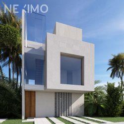 NEX-48965 - Casa en Venta, con 3 recamaras, con 3 baños, con 1 medio baño, con 150 m2 de construcción en Arbolada, CP 77533, Quintana Roo.