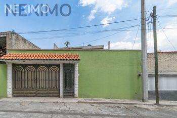NEX-41760 - Casa en Venta, con 6 recamaras, con 4 baños, con 1 medio baño, con 197 m2 de construcción en Luis Echeverría, CP 54753, México.