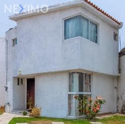 NEX-41907 - Casa en Venta, con 3 recamaras, con 2 baños, con 1 medio baño, con 123 m2 de construcción en San José Buenavista, CP 54710, México.