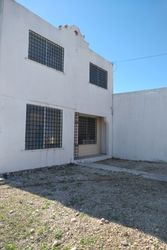 NEX-39321 - Casa en Venta en Francisco de Montejo III, CP 97203, Yucatán, con 2 recamaras, con 1 baño, con 1 medio baño, con 122 m2 de construcción.