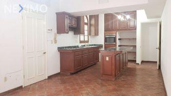 NEX-41604 - Casa en Venta, con 3 recamaras, con 3 baños, con 1 medio baño, con 430 m2 de construcción en Residencial Lagunas de Miralta, CP 89605, Tamaulipas.