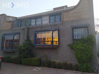 NEX-43674 - Casa en Venta, con 5 recamaras, con 4 baños, con 1 medio baño, con 500 m2 de construcción en Jurica, CP 76100, Querétaro.