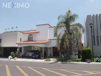 NEX-46142 - Casa en Venta, con 3 recamaras, con 2 baños, con 1 medio baño, con 340 m2 de construcción en Claustros del Marques, CP 76093, Querétaro.