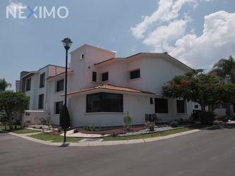 NEX-46273 - Casa en Venta, con 3 recamaras, con 2 baños, con 1 medio baño, con 318 m2 de construcción en Claustros del Marques, CP 76093, Querétaro.