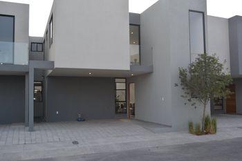 NEX-38584 - Casa en Venta en Zizana, CP 76269, Querétaro, con 3 recamaras, con 2 baños, con 1 medio baño, con 193 m2 de construcción.