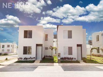 NEX-39788 - Casa en Venta, con 3 recamaras, con 3 baños, con 103 m2 de construcción en Tixkokob, CP 97470, Yucatán.